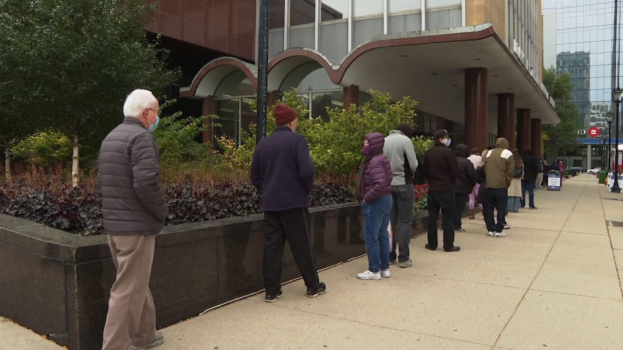 Early in-person voting starts in Wisconsin