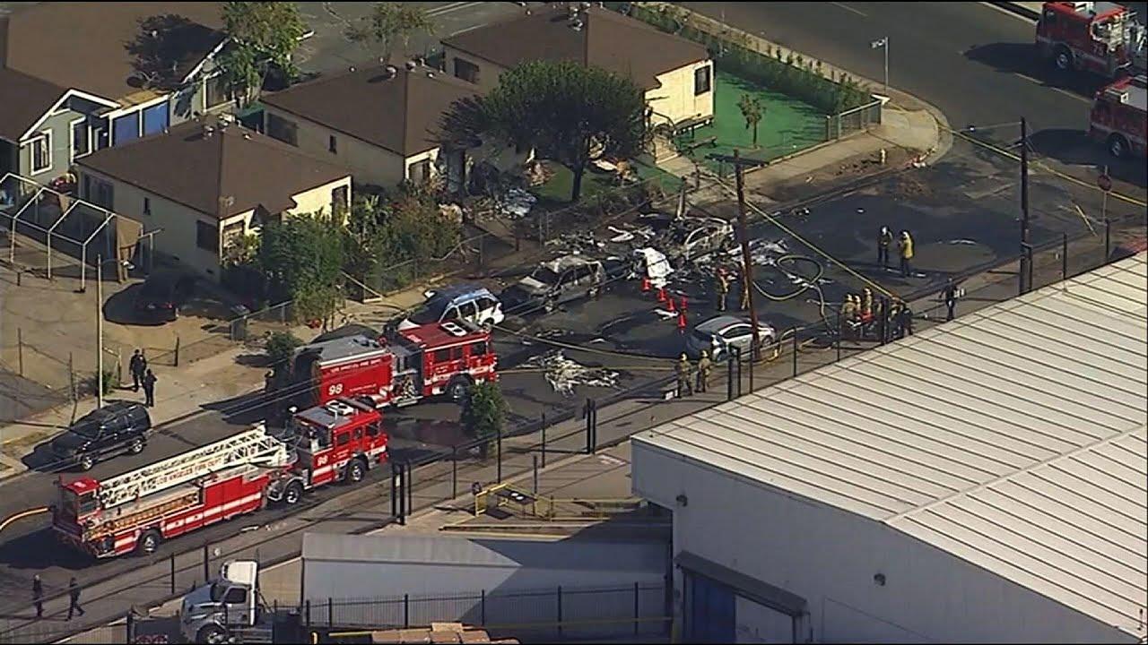 Small plane crashes, burns near California airport