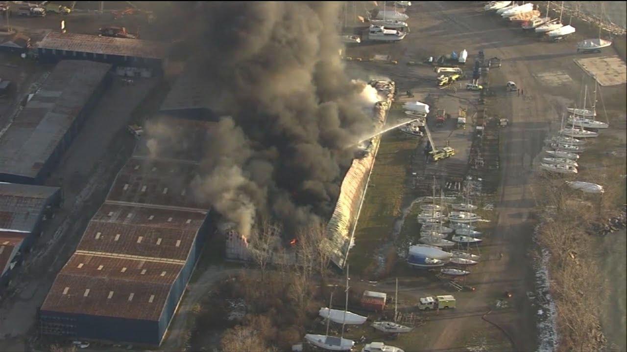 Big fire hits Michigan marina
