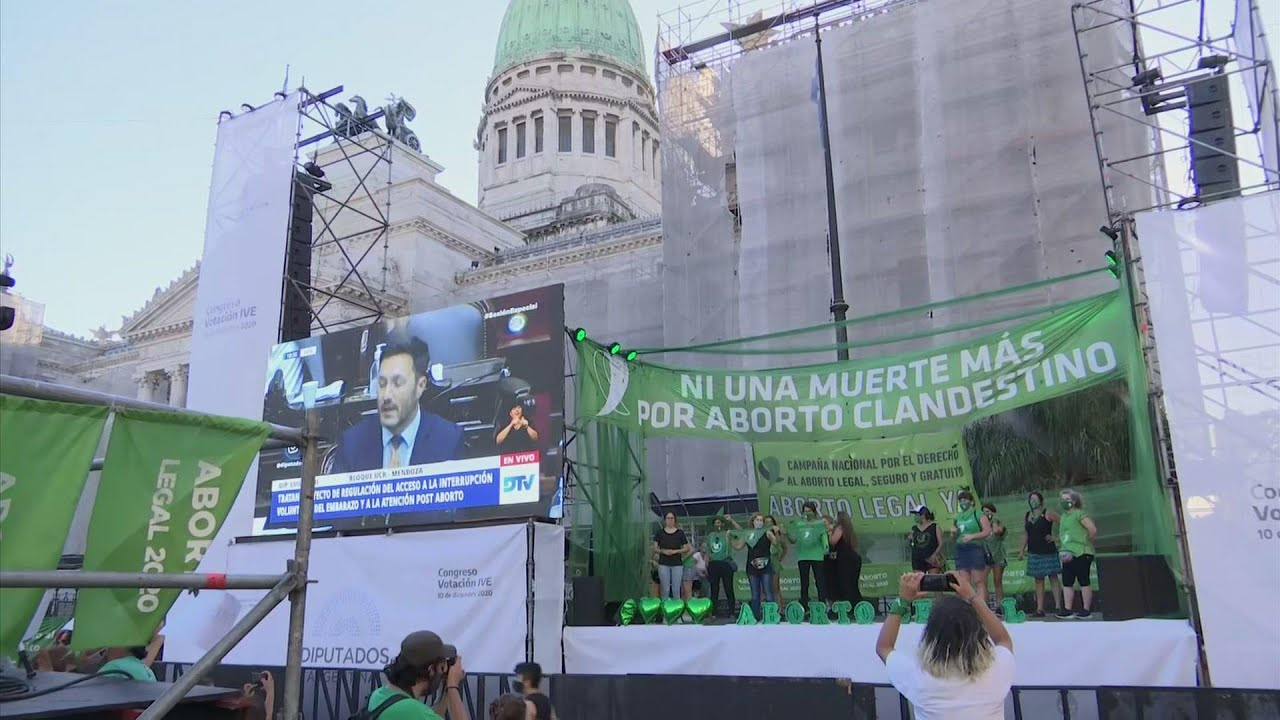 Hundreds demand legalised abortion in Argentina