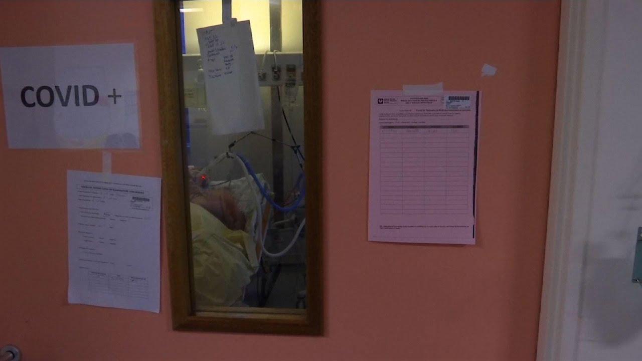 Trabajadores de la salud de Francia enfrentan la muerte por coronavirus