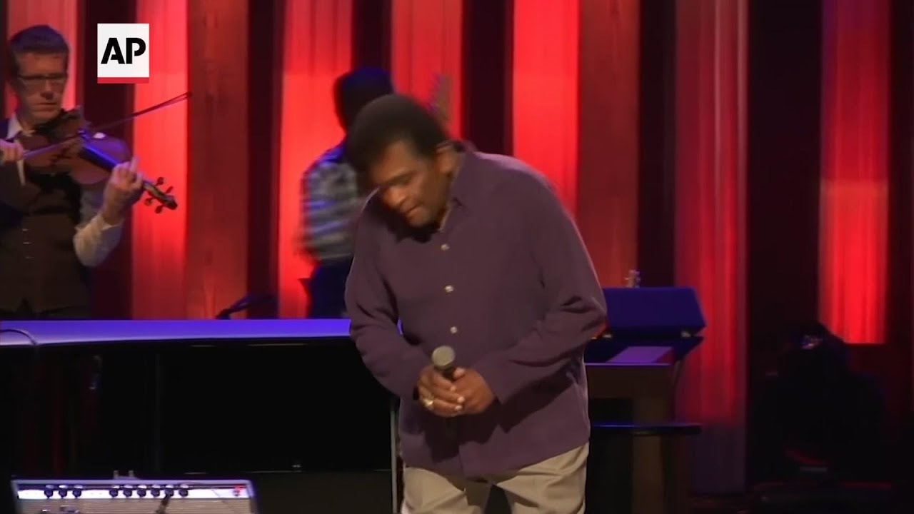 Charley Pride, a country music Black superstar, dies at 86
