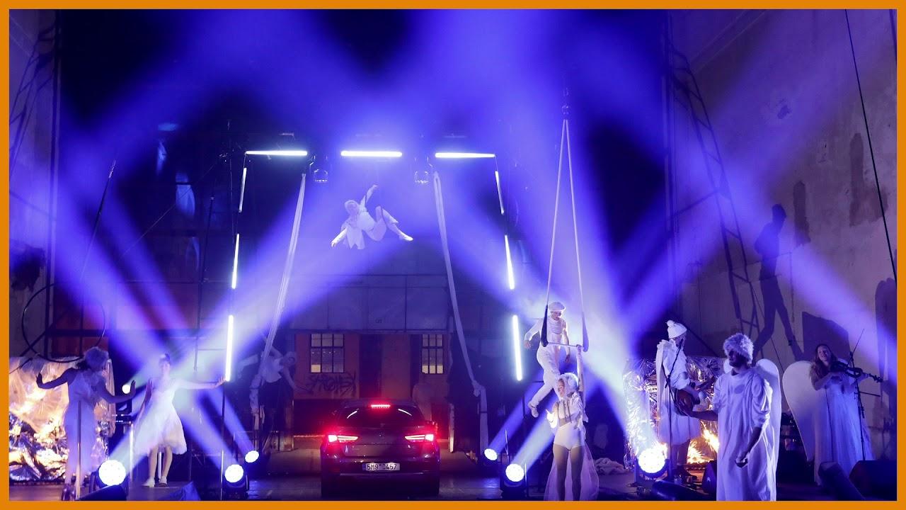 Slideshow: Prague's drive-thru theater