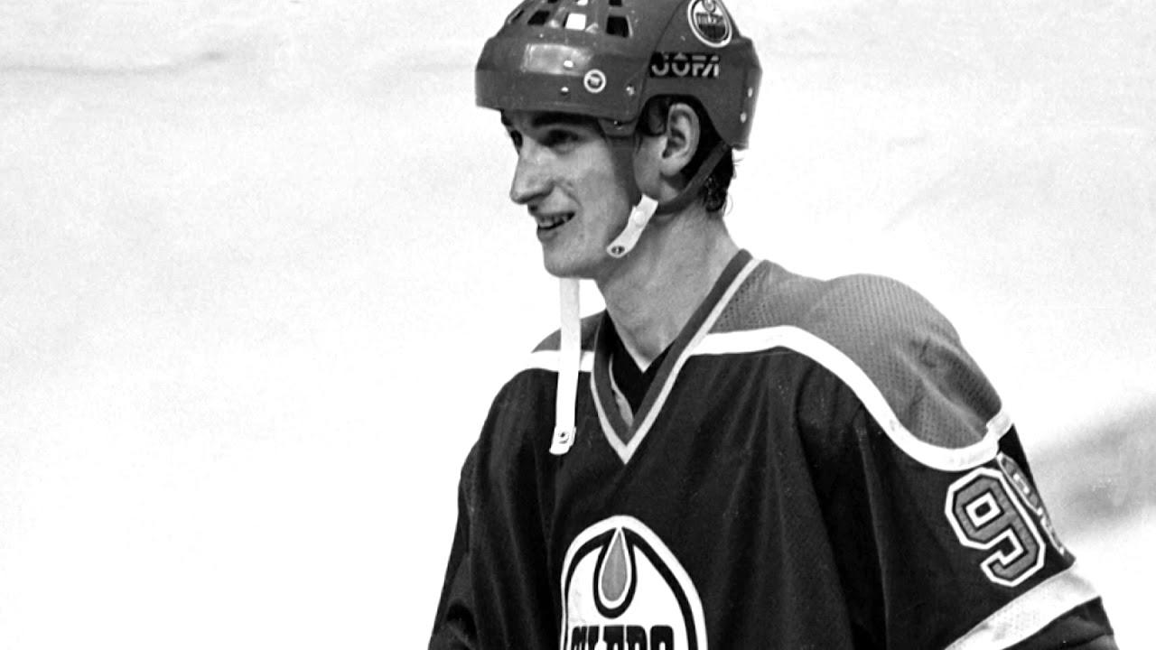 Hockey star Wayne Gretzky card sells for $1.29 million