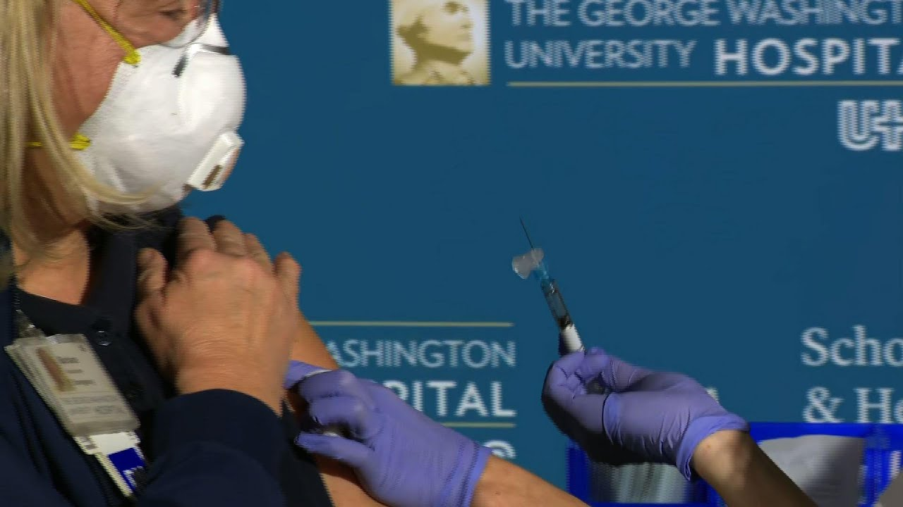 US officials look to boost confidence in vaccine