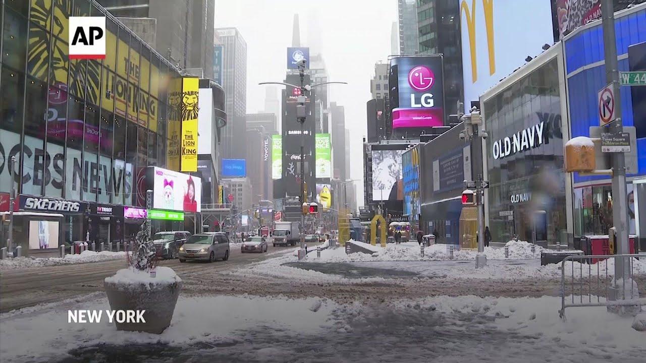 Snow blankets Manhattan