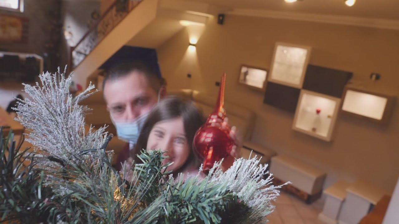 Italian family of ICU nurses prepares for Christmas