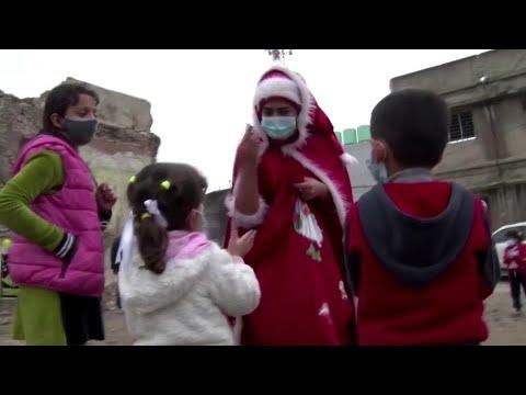 Kurdish woman spreads Christmas joy in Mosul