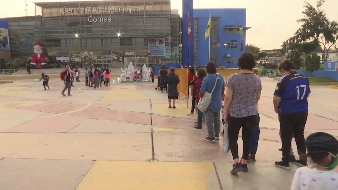 Santa cheers up kids in Peru amid COVID measures
