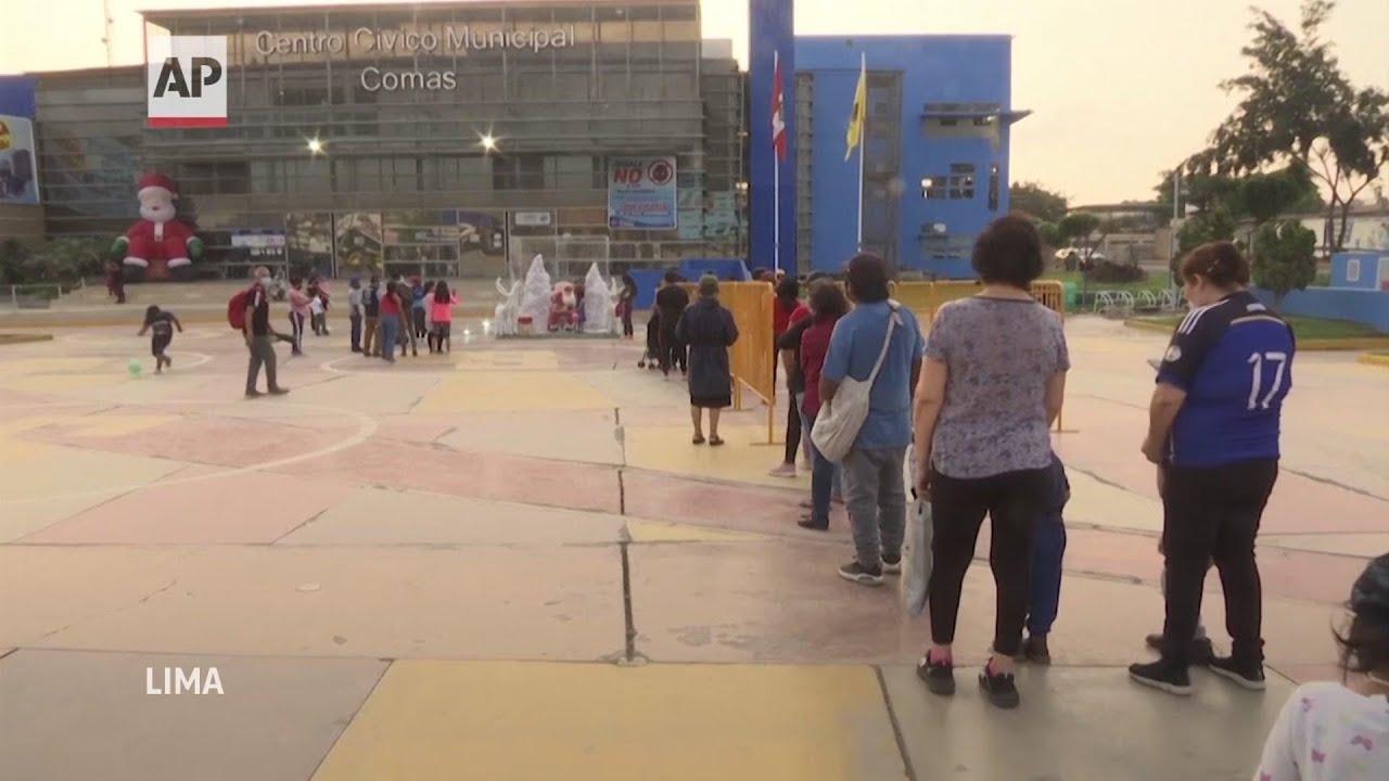 Santa anima a niños en Perú en medio de medidas de COVID