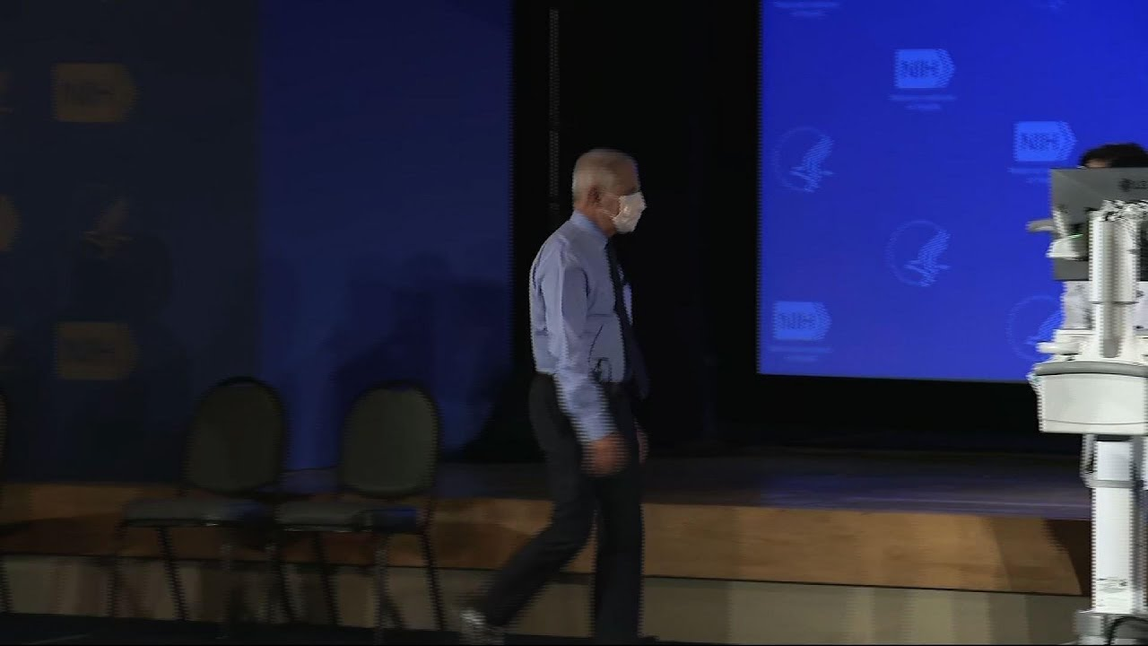 Dr. Fauci receives newest COVID-19 vaccine