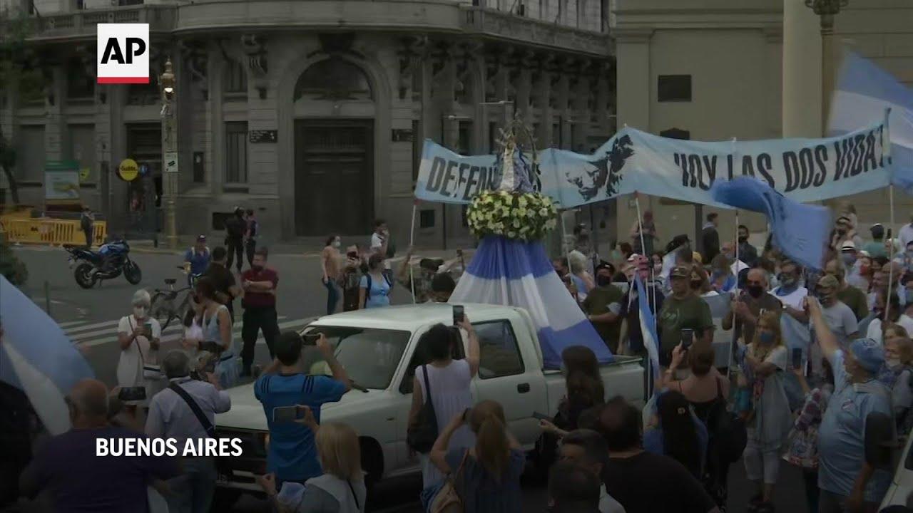 Manifestación contra el aborto en vísperas del debate en Argentina
