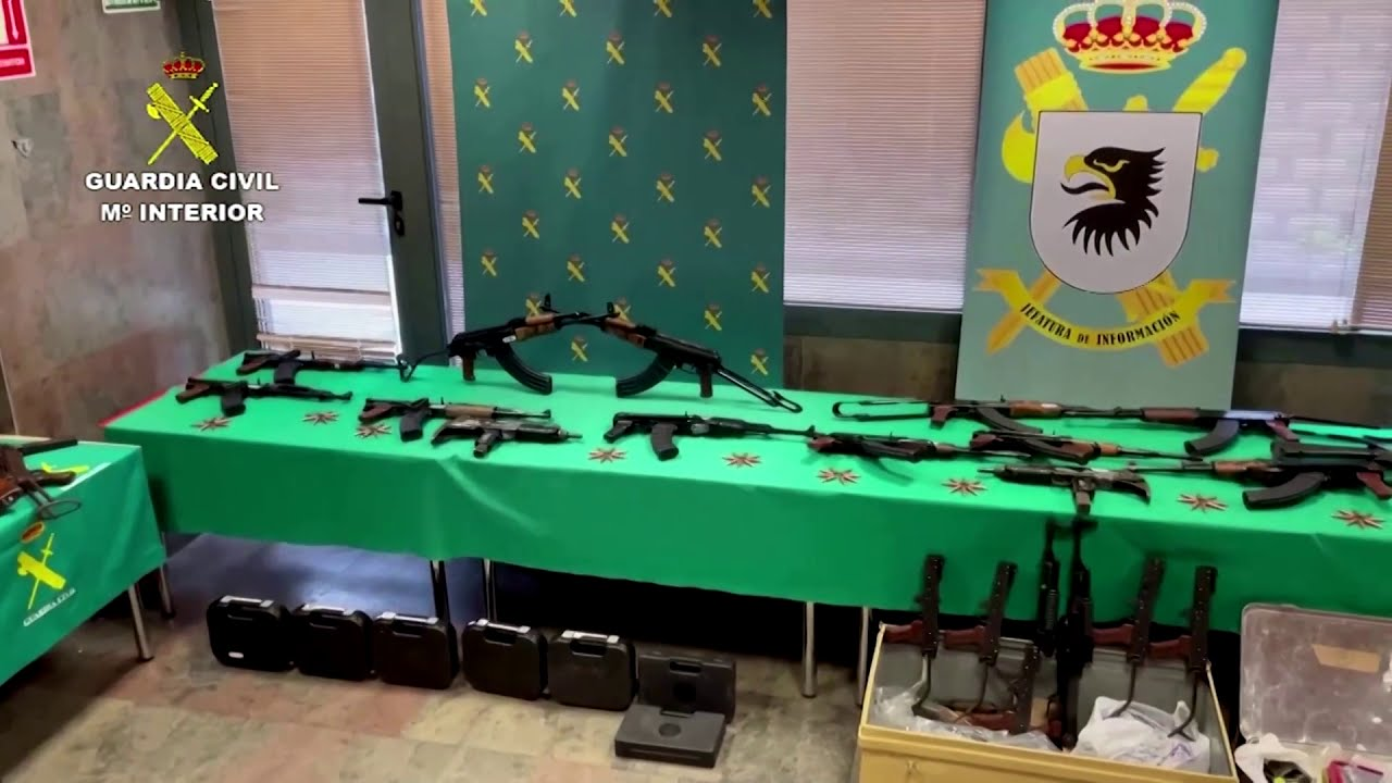 European gun runners busted with Nazi antiquities