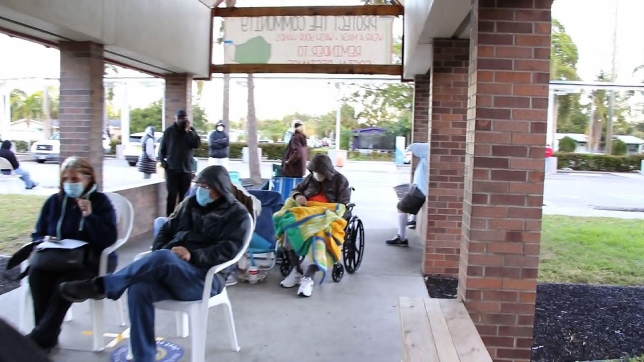 Long lines in Florida to get COVID vaccine