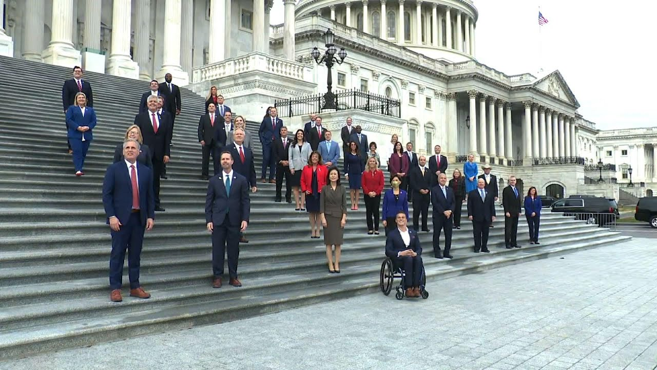 McCarthy joins GOP House freshmen for photo