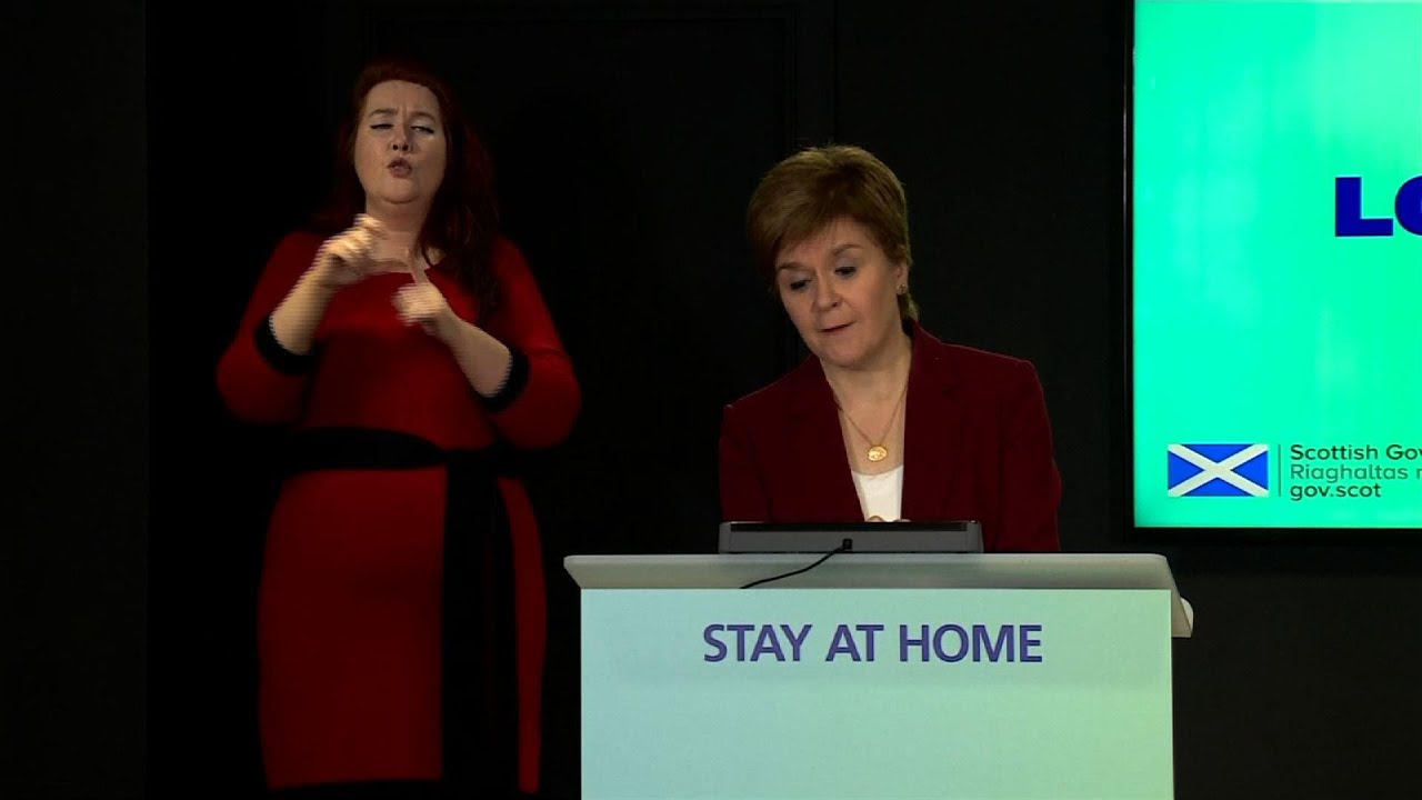 Sturgeon: Trump not be allowed to golf in Scotland