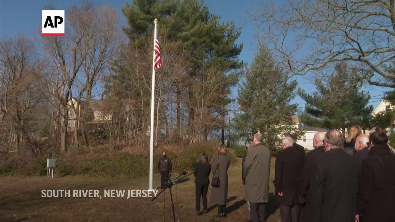 Hometown flag ceremony honors dead Capitol officer