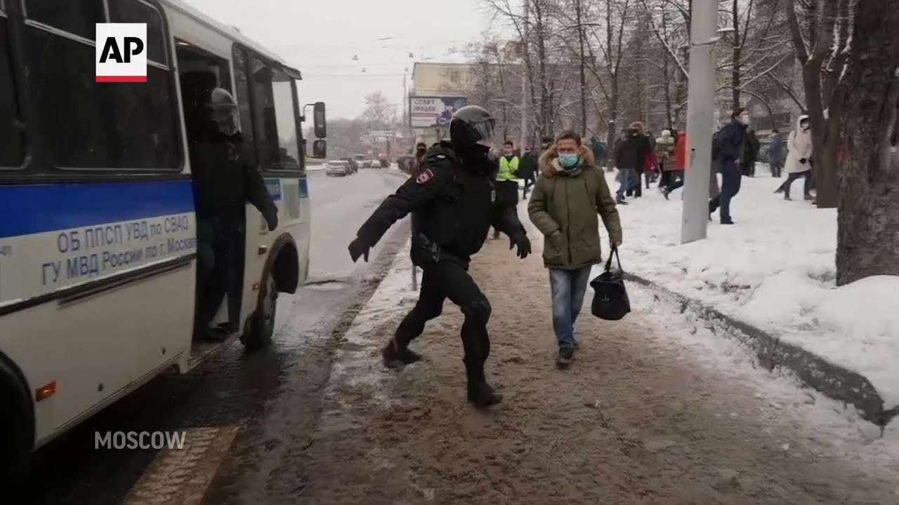 Thousands arrested in Russia protests