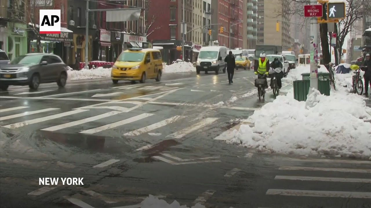 NYC's bike couriers brave snow, ice after storm