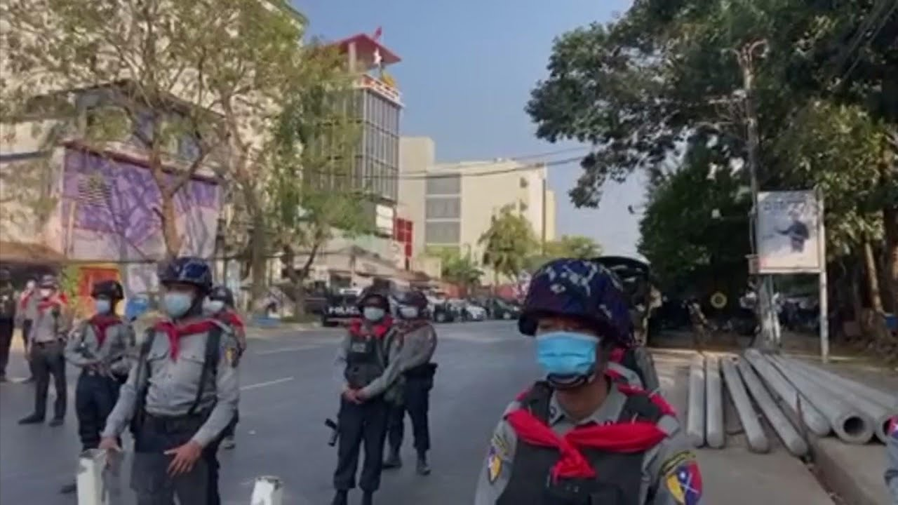 Police barricade stops protesters in Yangon