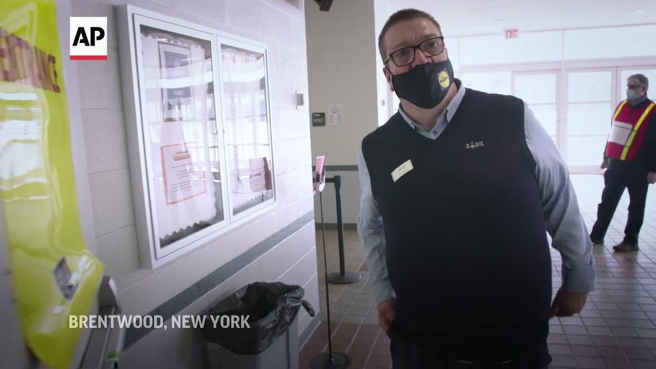 Vaccine rollout uneven for grocery store workers