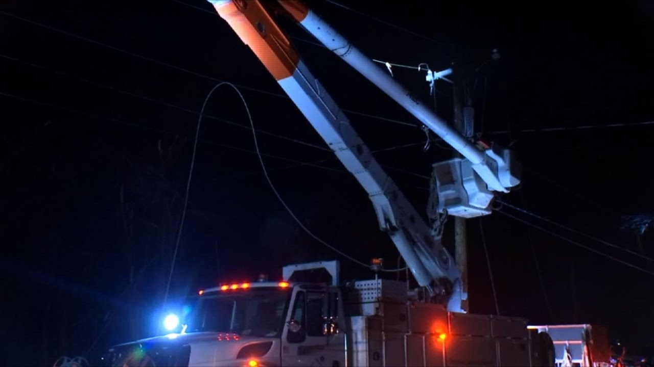 Thousands in Portland-area without power for days