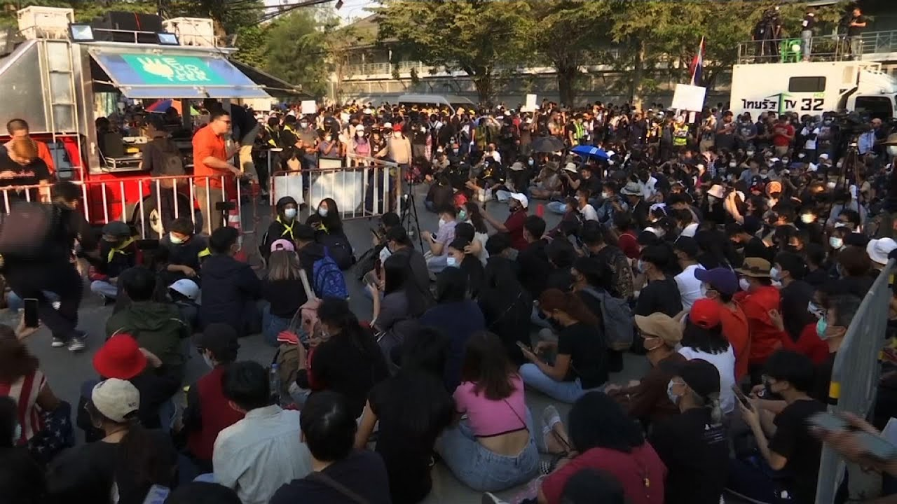 Rally outside Thai parliament as PM survives vote