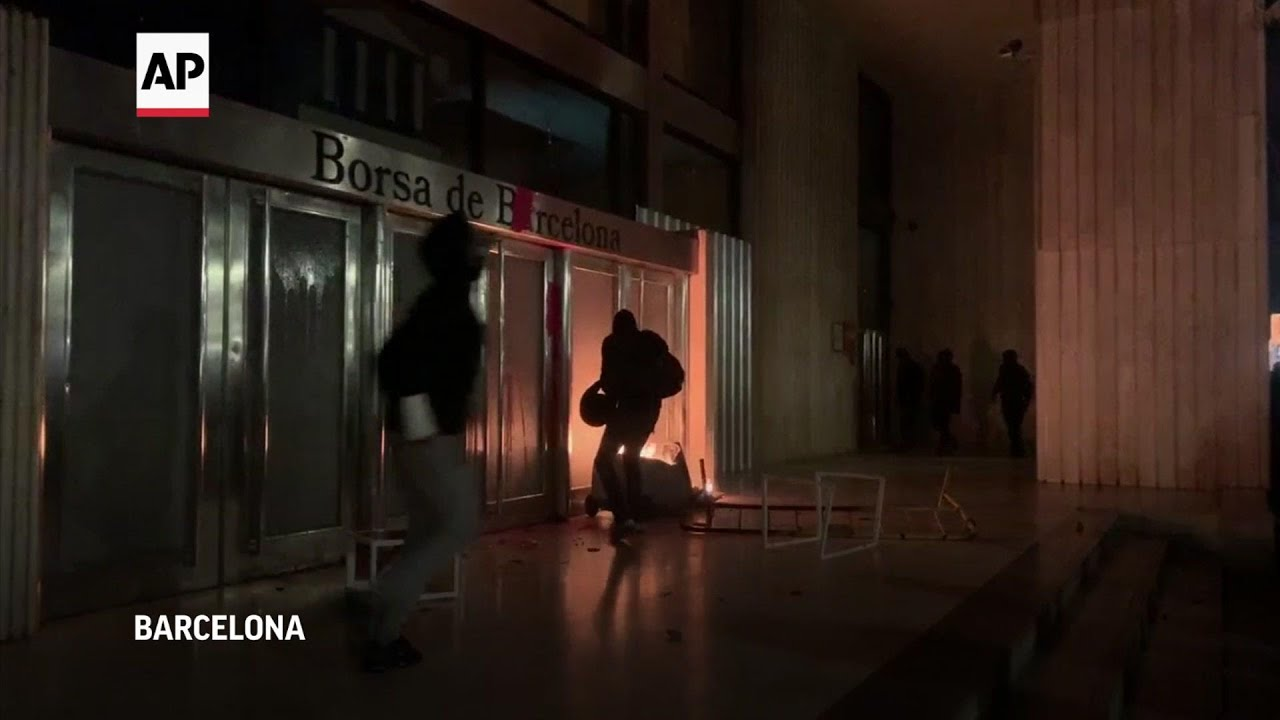 Looting as Spain rapper protest turns violent