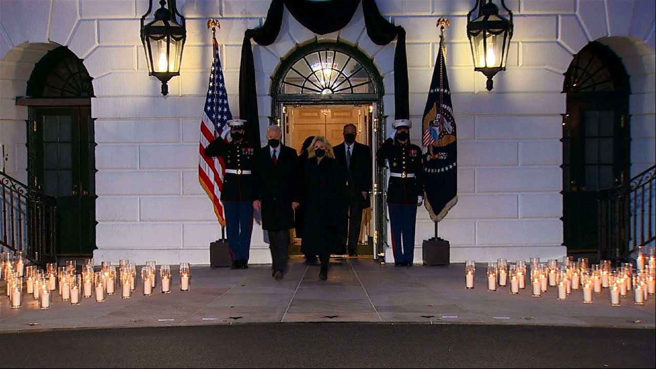 White House ceremony honors 500k US COVID deaths