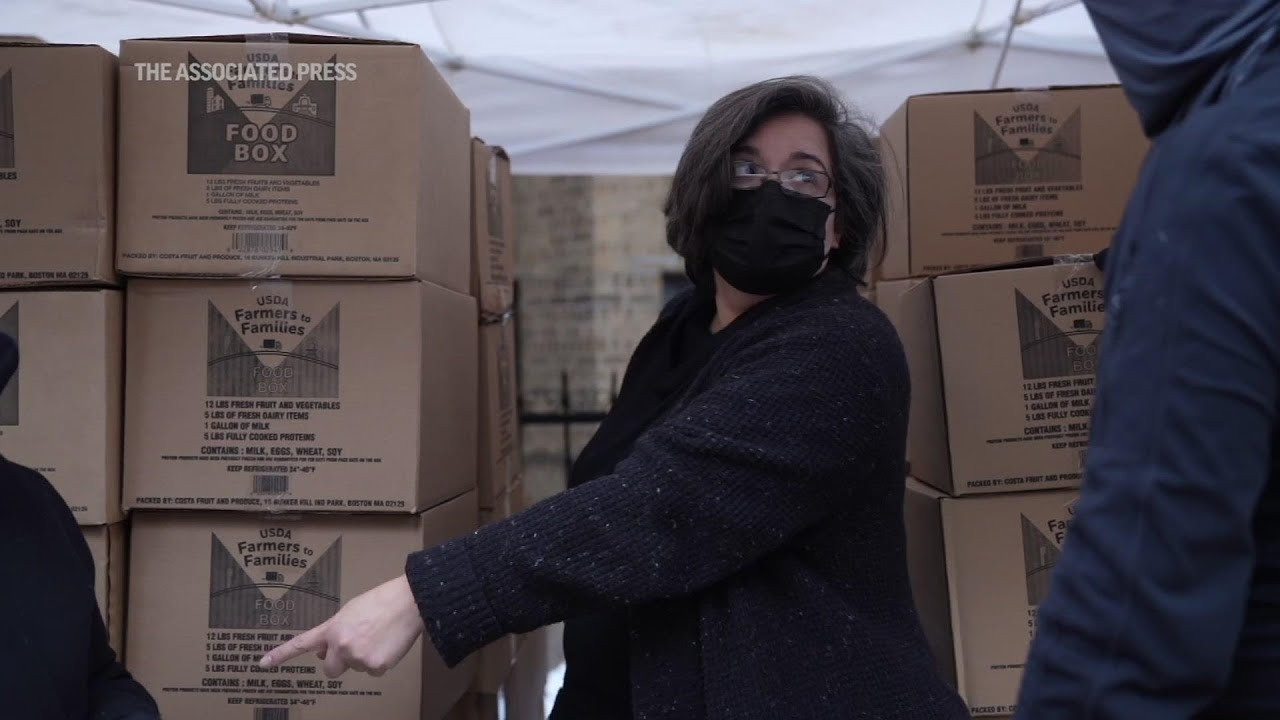After losing job, woman leads pantry feeding thousands