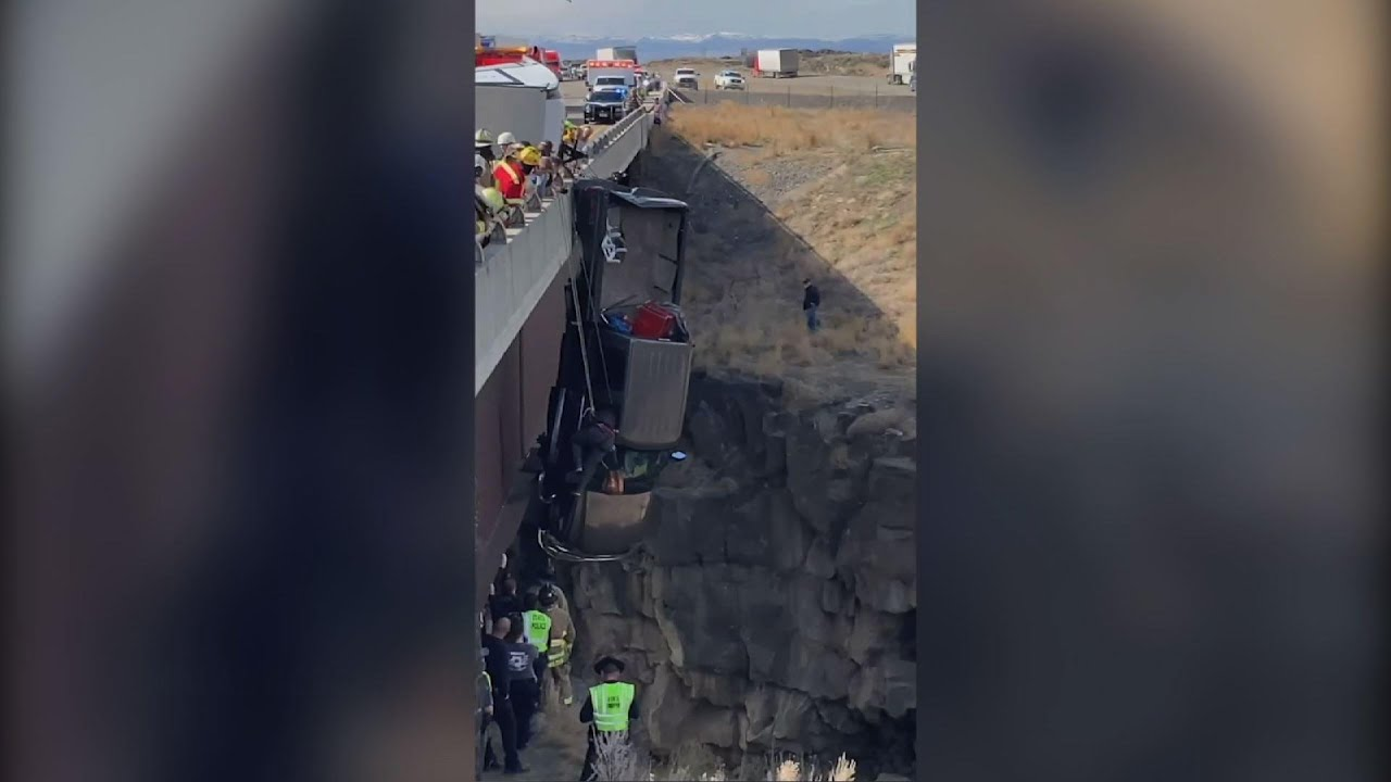 Two rescued from truck dangling over Idaho gorge