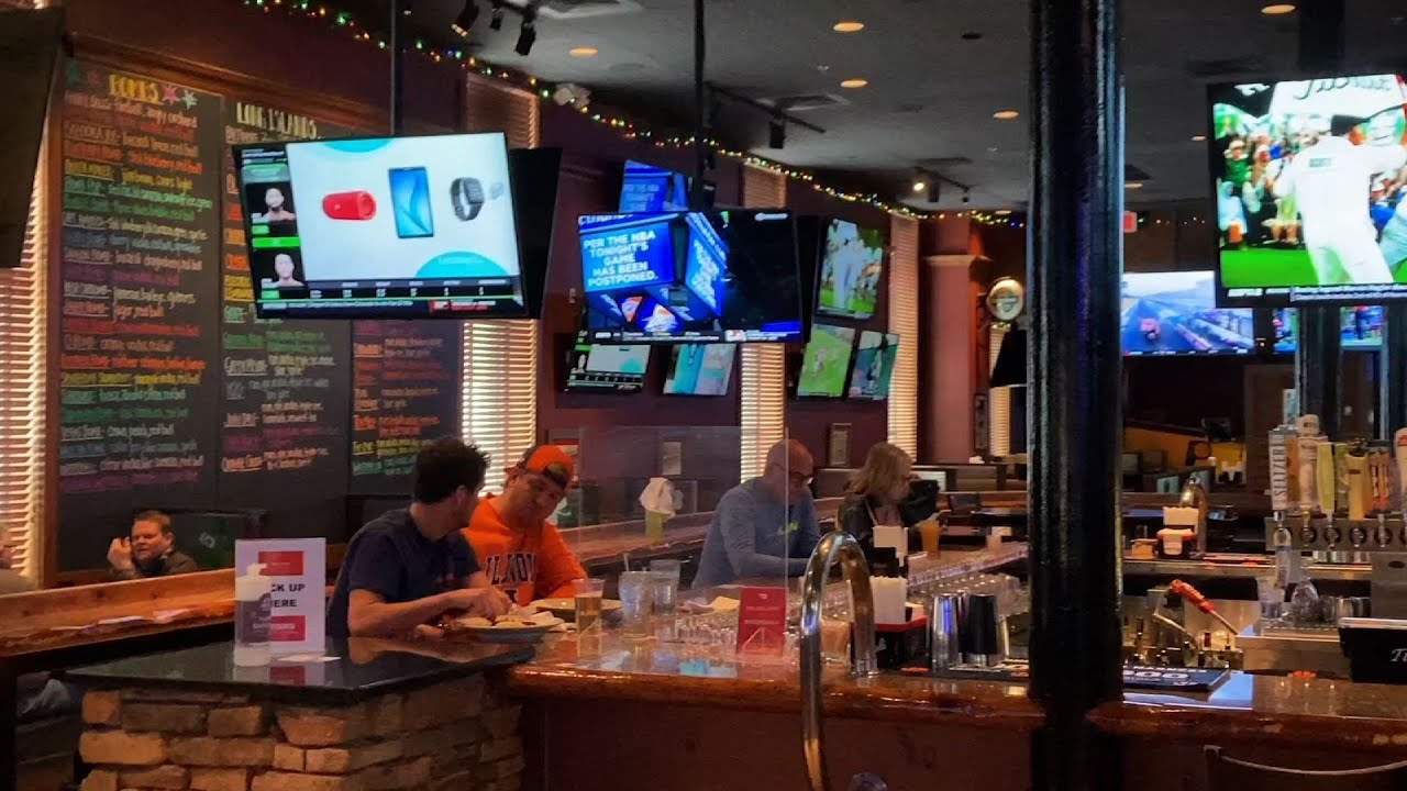 Bars prep for masked March Madness