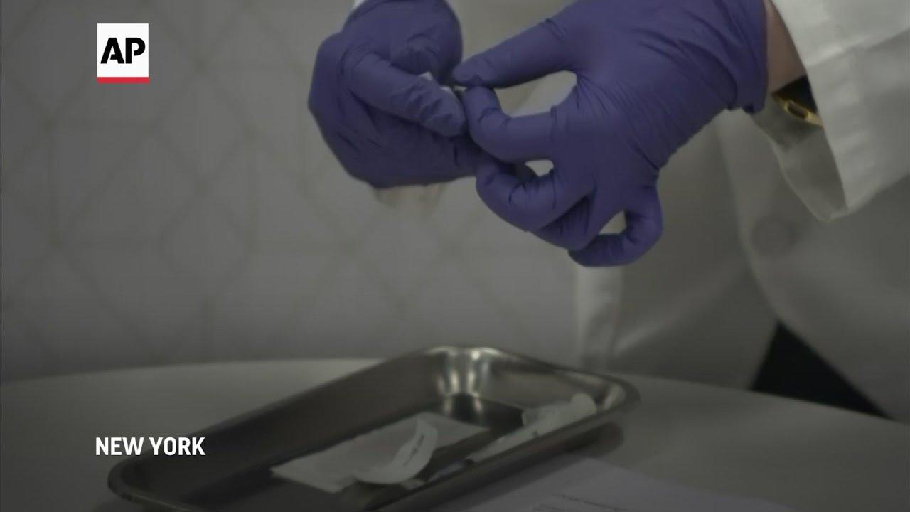 New York seniors receive COVID-19 vaccines
