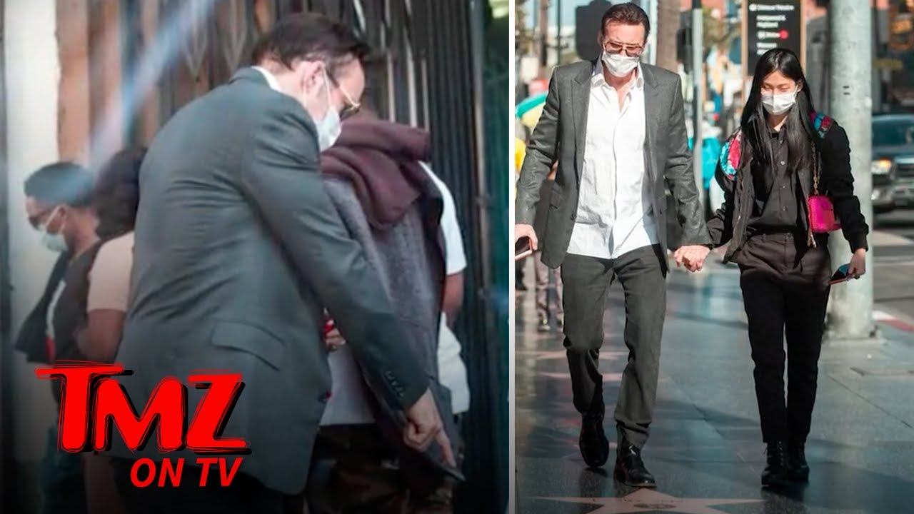 Nic Cage Shows His Wife His Hollywood Walk Of Fame Star | TMZ TV
