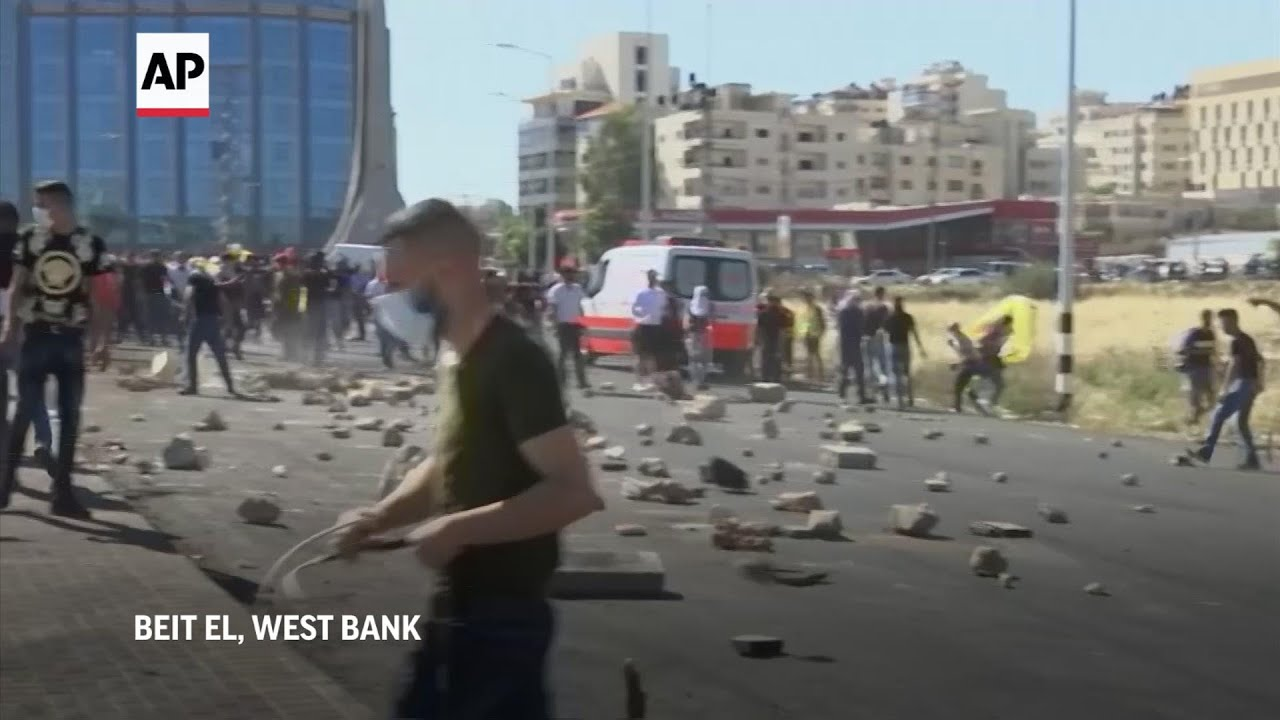 Israelis, Palestinians face off in West Bank