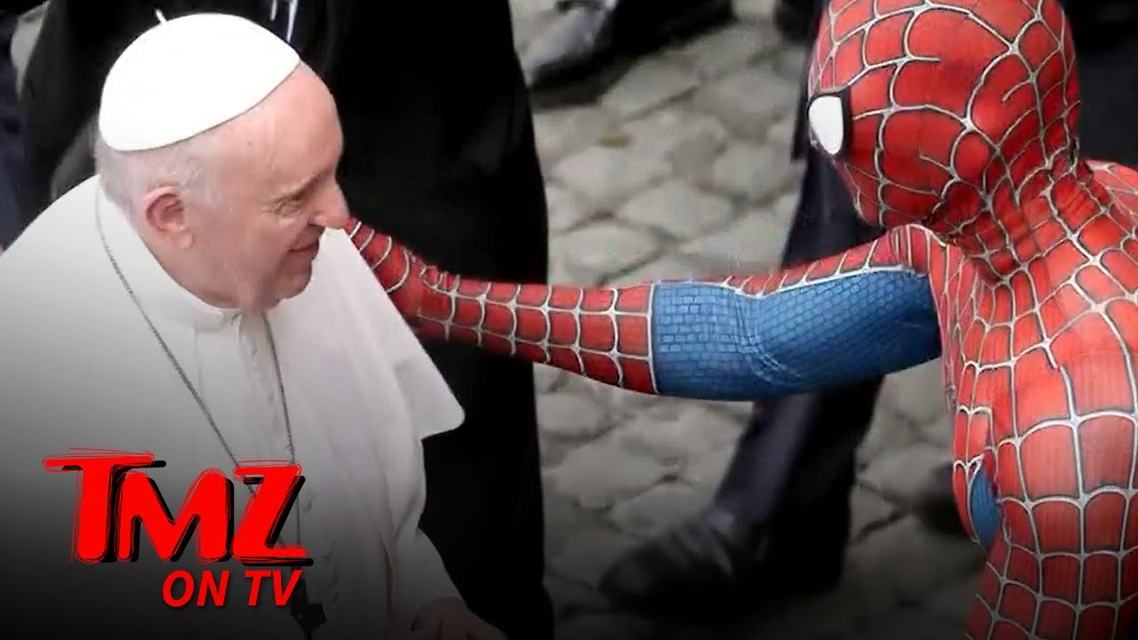 Pope Francis Befriends The Amazing Spider-Man | TMZ TV
